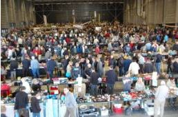 24e radioamateurbeurs ON6LL in La Louviere (België)