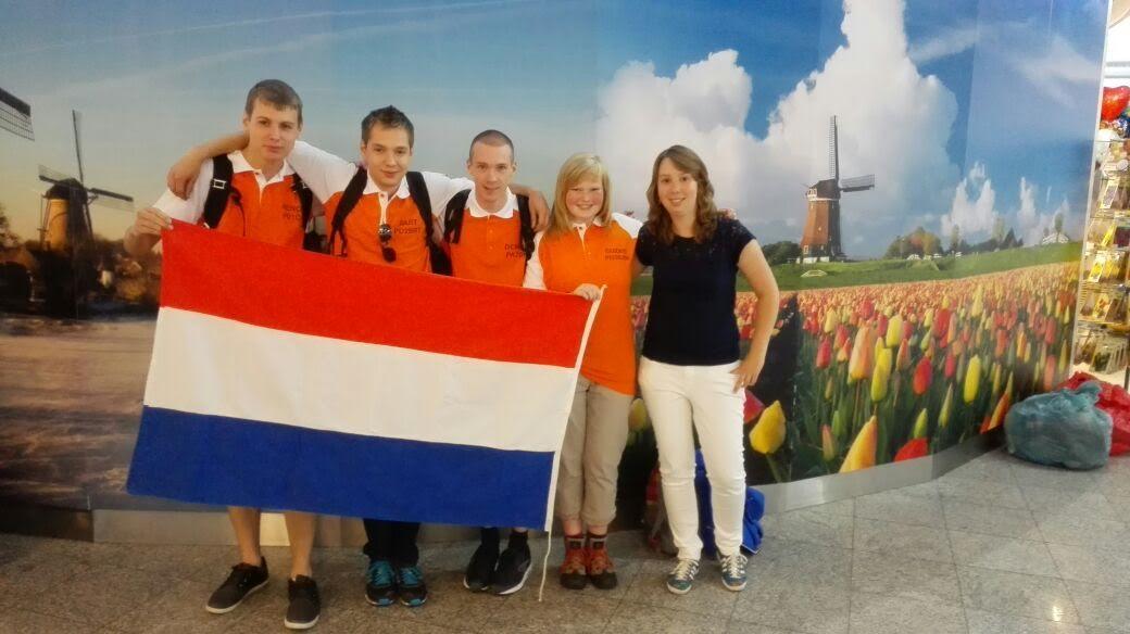 YOTA-2015 Dag 1: Vandaag, zaterdag 18 Juli 2015, was het dan eindelijk zo ver. We verzamelde op vliegveld Eindhoven, om rond 12:30 op te stijgen richting vliegveld Pisa in Italië.