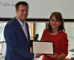 Medewerker Agentschap Telecom ontvangt Vederprijs