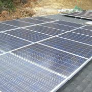 Storing op garagedeuropeners door zonnepaneel installaties