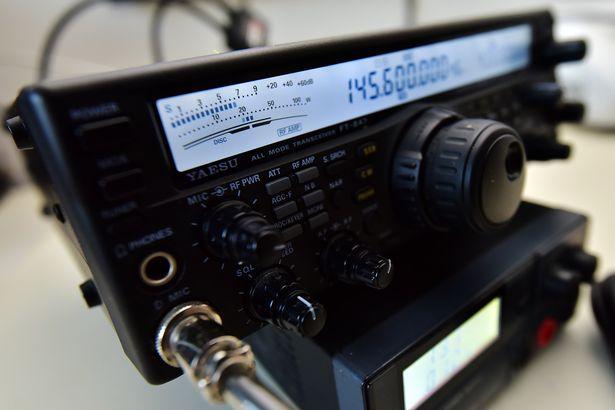 Mike Everett's radio uitrusting waarmee het meisje in Exmoor werd gered (Foto: Dan Regan)