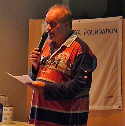 Theo PA1CW met zijn openingswoord tijdens de HF-Dag 2013