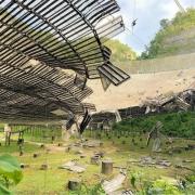 Arecibo schotel beschadigd door kabelbreuk