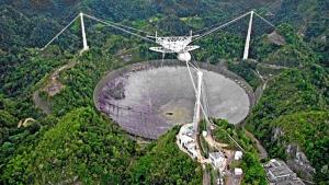Radiotelescoop Arecibo onherstelbaar beschadigd